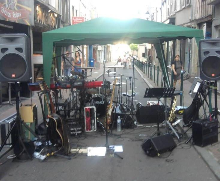La scène de notre 1ère fête de la musique..... Limoges le 21 juin 2014